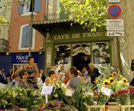 Straßencafé, Provence, Frankreich Lizenzfreies Stockbild