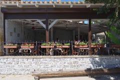 Straßencafé verziert mit Symbolen der jüdischen Religion Lizenzfreie Stockbilder