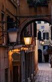Straßenlaterne-Gasse in Venedig Lizenzfreies Stockbild