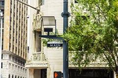 Straßenschild Main Street herein im Stadtzentrum gelegen Lizenzfreie Stockbilder