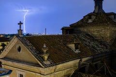 Strahl über den Madrid-Dächern Stockbilder
