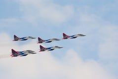 Strahlen MiG-29 vom Strizhi Team Stockbilder
