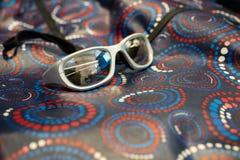 Strahlenschutz-Gläser und Kleid Lizenzfreie Stockfotos