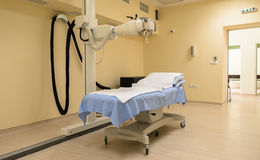 Strahlentherapielabor mit neuer Radiologieausrüstung Lizenzfreie Stockfotos