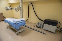 Strahlentherapielabor mit neuer Radiologieausrüstung Stockbilder