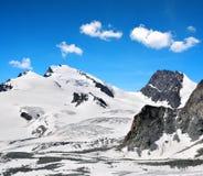 Strahlhorn e Rimpfischhorn nelle alpi della pennina Immagine Stock