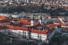 Strahov-Kloster am sonnigen Tag, Draufsicht, Prag, Tschechische Republik lizenzfreie stockfotos