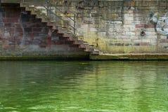 straicase下来绿河 库存图片