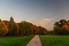 Path in the autumn park Royalty Free Stock Photography