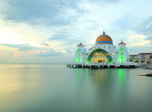 Strait mosque Royalty Free Stock Photos