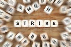 Strajkowa protestacyjna akcja demonstruje pracy, akcydensowy pracowników kostka do gry busin Zdjęcie Royalty Free