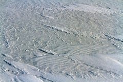 Strakke opblaasbare sneeuw op het ijs van meer Baikal Stock Foto's