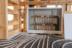 Stralend vloer verwarmingssysteem stock afbeeldingen
