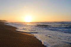 strand över solnedgång Royaltyfria Bilder