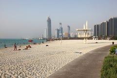 Strand in Abu Dhabi Lizenzfreie Stockfotos