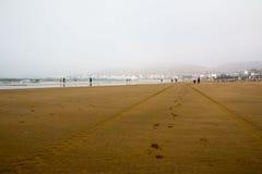 Strand in Agadir-Stadt in Marokko im Jahre 2016 Stockfotografie