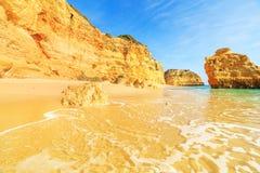 Strand in Algarve gebied, Portugal Royalty-vrije Stock Afbeelding