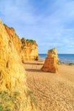 Strand in Algarve gebied, Portugal Royalty-vrije Stock Afbeeldingen