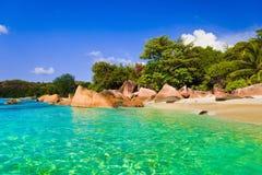 Strand Anse Lazio in Seychellen stock foto's