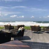 Strand-Ansicht-Hotel lizenzfreie stockbilder
