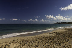 Strand auf dem Ozean in den Karibischen Meeren Lizenzfreie Stockfotografie