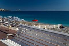 Strand auf französischem Riviera lizenzfreies stockbild