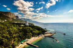 Strand auf Schwarzem Meer Foros-Stadt lizenzfreies stockfoto