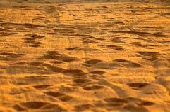 Strand auf Sonnenaufgang Lizenzfreies Stockbild