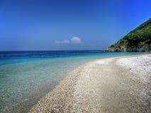 Strand auf tropischer Insel Lizenzfreies Stockfoto