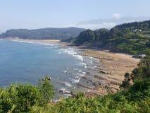 strand av asturias Spanien arkivfoto