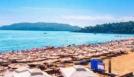 Strand av Becici Royaltyfri Bild