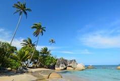 Strand av den Natuna ön Indonesien Arkivbild