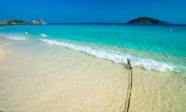Strand av den Similan Koh Miang ön i nationalparken, Thailand Royaltyfria Bilder