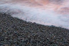 Strand av Etretat Arkivfoton