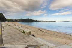 Strand av Gandario Sada, La Coruna - Spanien arkivbilder
