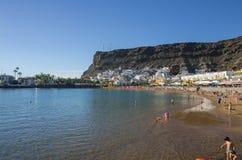 Strand av Puerto de Mogan Arkivfoton