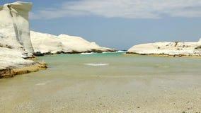 Strand av Sarakiniko Milos Island stock video