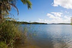 Strand av sjön Nhambavale i Mocambique Fotografering för Bildbyråer