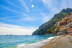 Strand av staden av Positano, Amalfi kust, Italien Royaltyfria Bilder