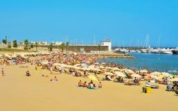 Strand barceloneta-Somorrostro in Barcelona, Spanje Royalty-vrije Stock Foto