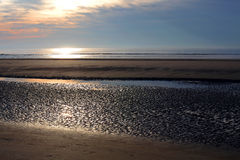 Strand bei Ebbe lizenzfreies stockbild