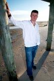 Strand-beiläufiger stattlicher Mann Lizenzfreies Stockbild
