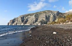 Strand bij eiland Santorini in Griekenland Royalty-vrije Stock Afbeeldingen