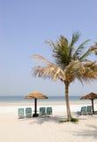 Strand bij luxueus hotel, Doubai, de V.A.E Stock Afbeeldingen