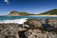 De Baai van Tapotupotu, Kaap Reinga, Nieuw Zeeland Stock Afbeeldingen