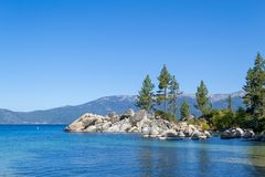 Strand bij Zandhaven in Meer Tahoe royalty-vrije stock foto