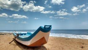 Strand-Boot lizenzfreies stockbild