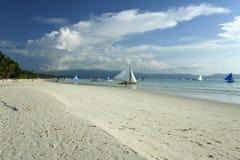 strand boracay philippines som seglar white Royaltyfri Fotografi