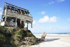 Strand-Bretterbude lizenzfreies stockbild