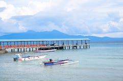 Strand in Bunaken-Insel in Madnado, Nord-Sulawesi stockfoto
